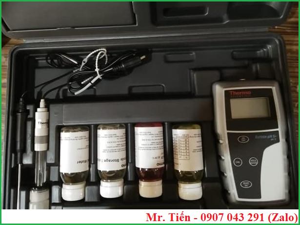 Điện cực pH ECFC7252101B đi kèm với máy đo độ pH nước pH5+ hãng Eutech